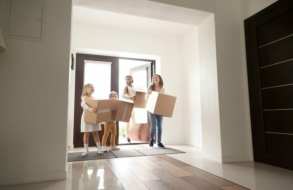 4 beneficios de comprar una casa